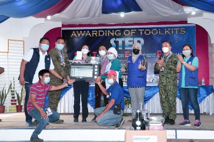 288 STEP Scholars in AgNor receive toolkits from TESDA