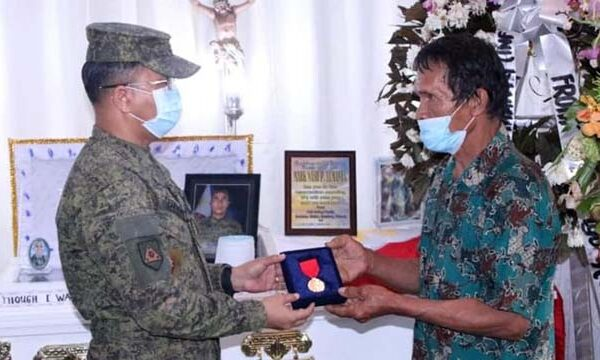 His Excellency PRRD, Provides Cash Assistance and Gives Award to C-130 Victims in Bukidnon