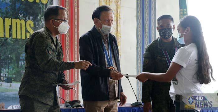Bukidnon LGU and 4ID facilitates the symbolic social reintegration of 30 FRs